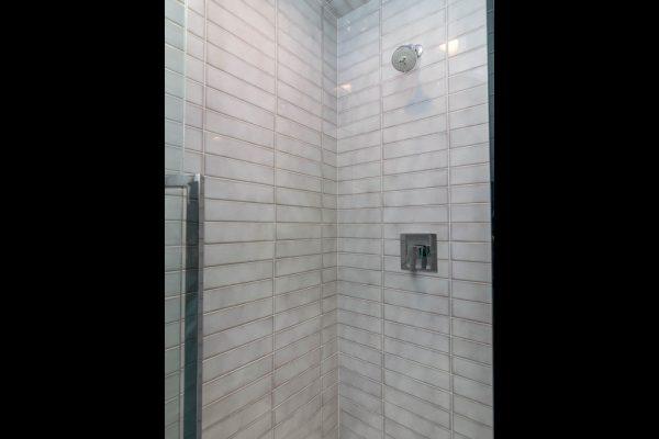 024_Master Shower