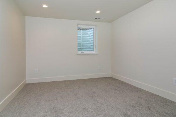 035_Bedroom
