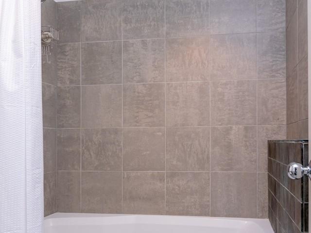 019_Master Bath