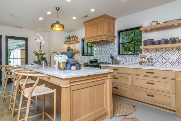 002_Kitchen