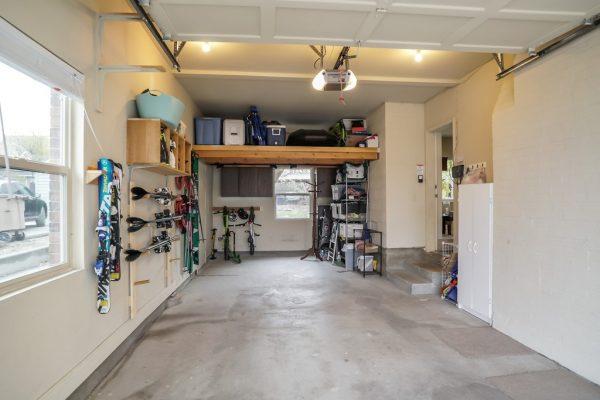 045_Attached Garage