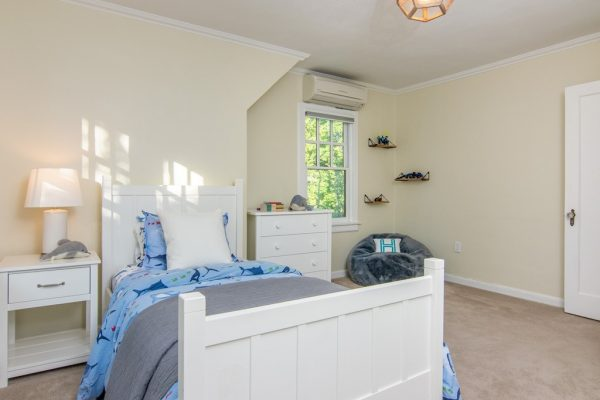 032_Bedroom