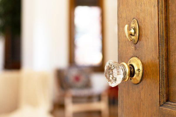 1-doorknob