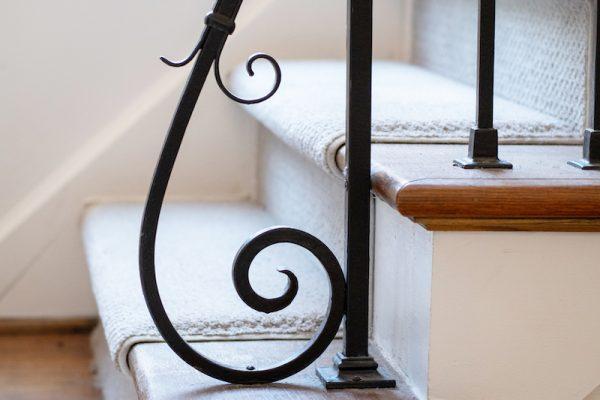 3-banister