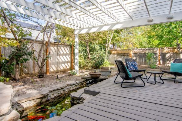 045_Deck and Pond