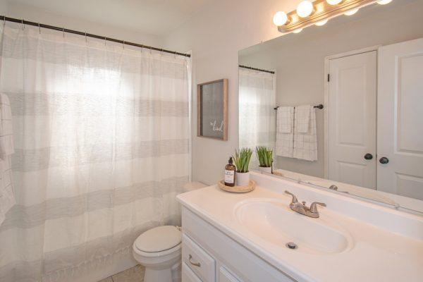 011_Bathroom