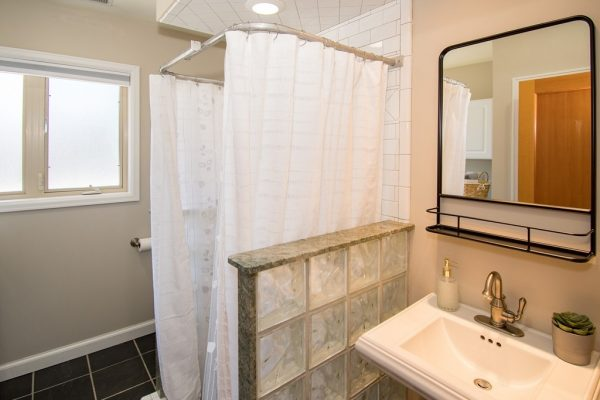 020_Bathroom 2