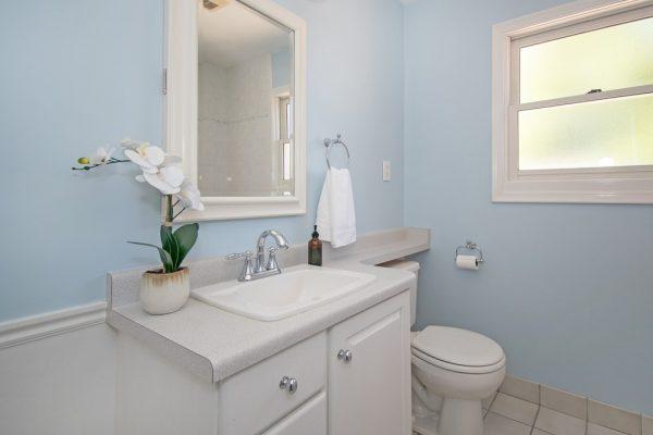 016_Bathroom Up