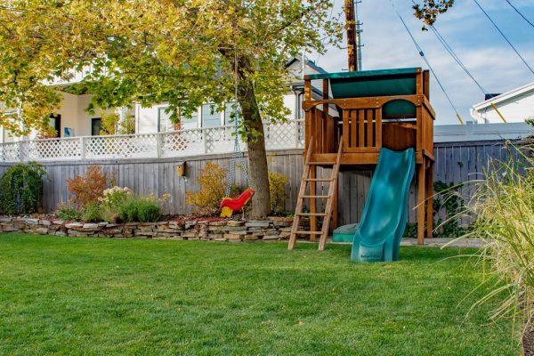 035_Backyard