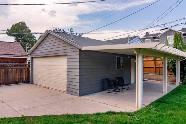037_Garage and Patio