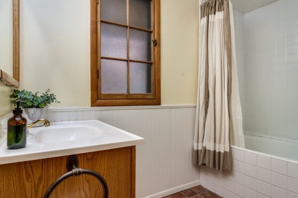 022_Bath